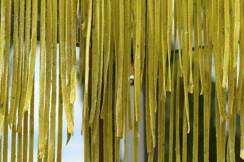 italy  basil pasta  air dry