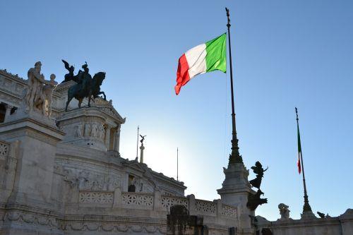 italy,rome,vittoriano,italian flag,italian,palace