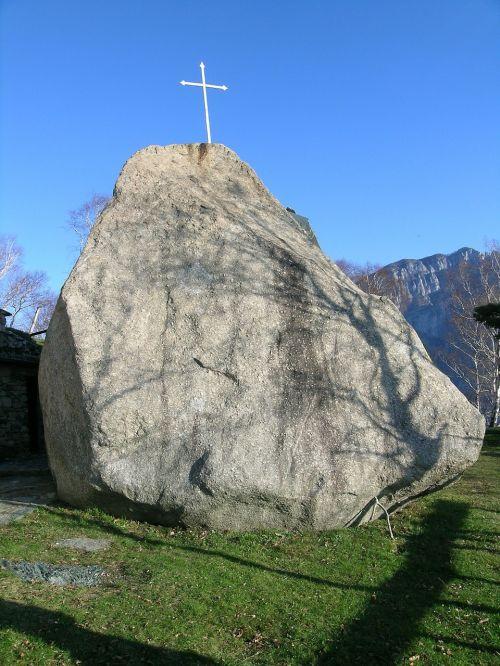 italy valmadrera boulder praguda