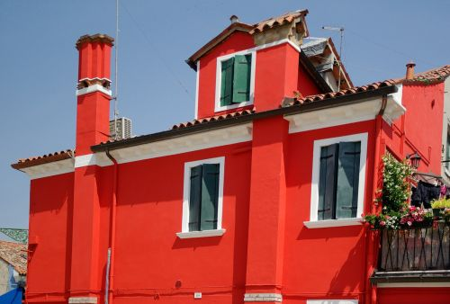 italy burano colorful house
