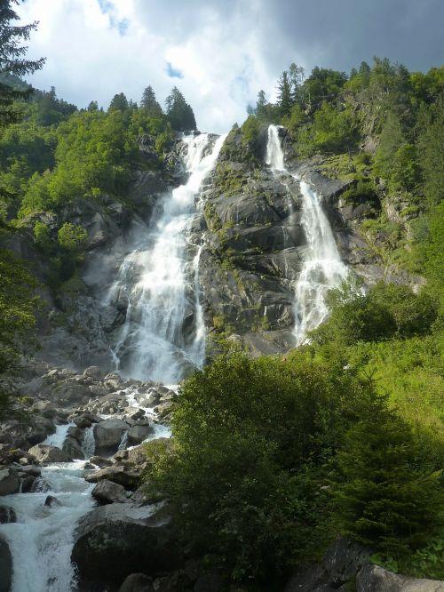 italy waterfalls cascade