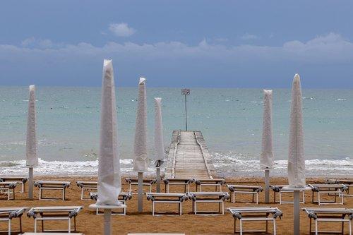 italy jesolo  beach  vacations