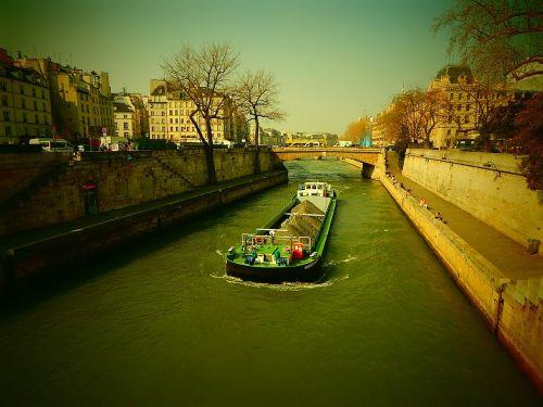 its paris river