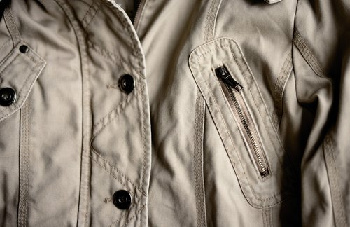 jacket  zip  seam