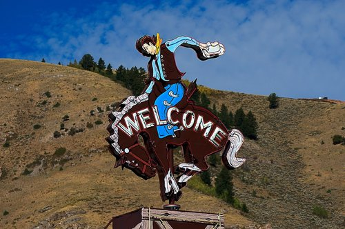 jackson cowboy sign  sign  welcome