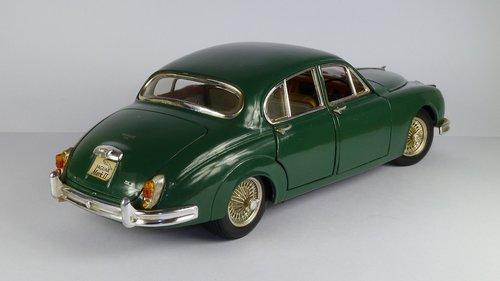 jaguar  mark ii  limousine