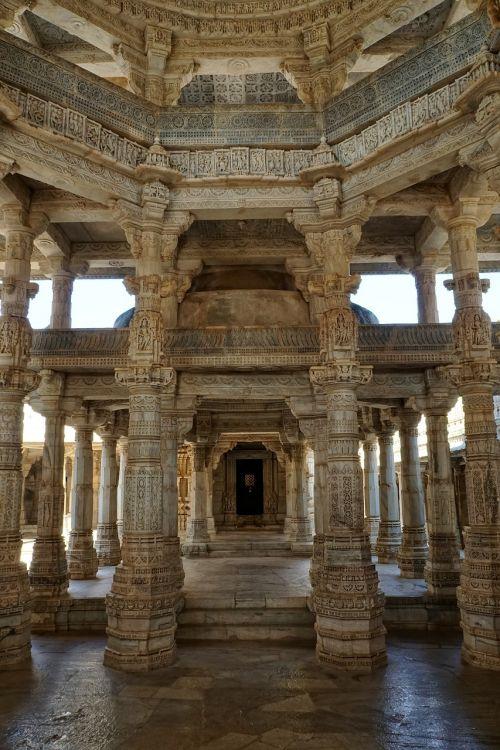 jain temple chaumukkha mandir ranakpur
