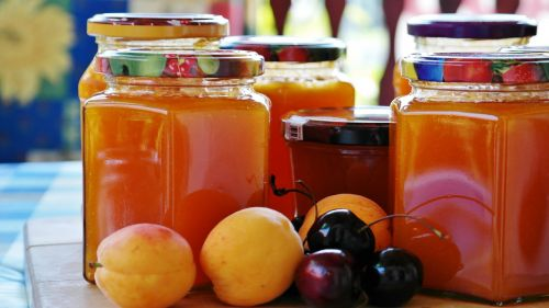 jam apricots cook