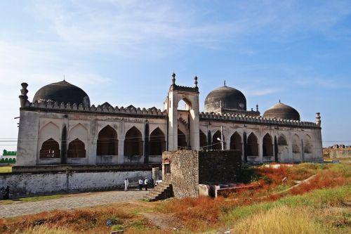 jama masjid gulbarga fort bahmani dynasty