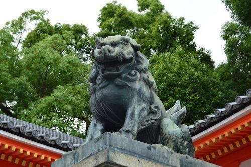 japan statue dragon
