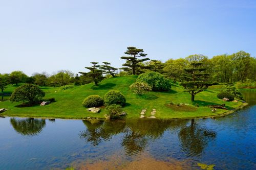 japanese garden trees lake