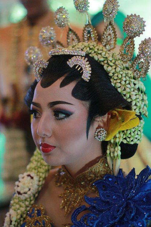 java  traditional  wedding java