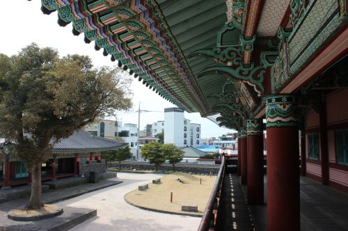 jeju island,kwan duck jung,jeju woodwind ah,korea,traditional,hanok,wood,roof,pattern,republic of korea