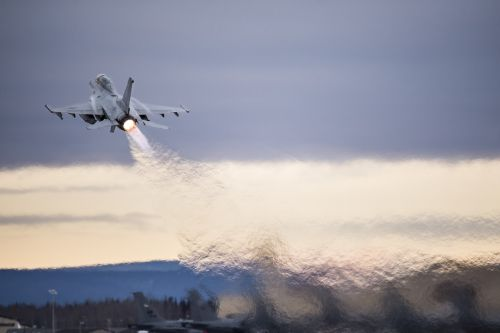jet fighter climb