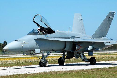 jet aircraft military aircraft