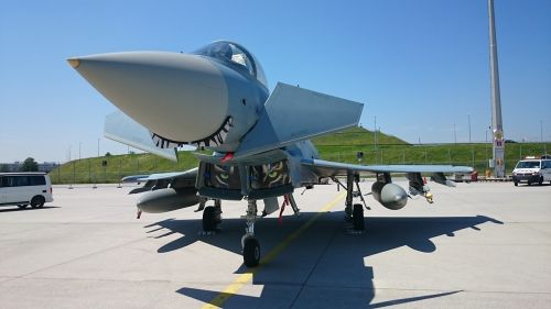 jet fighter airport aircraft