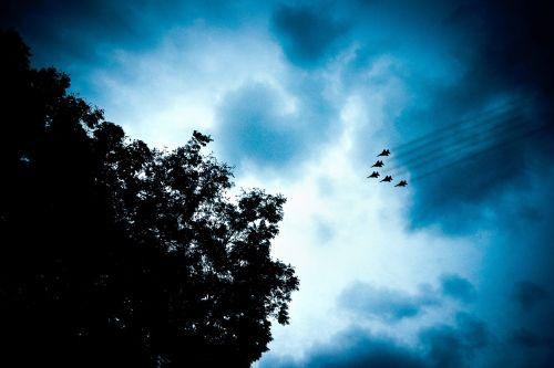 jet planes contrails sky