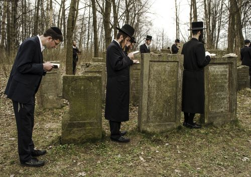 jew people the tomb of