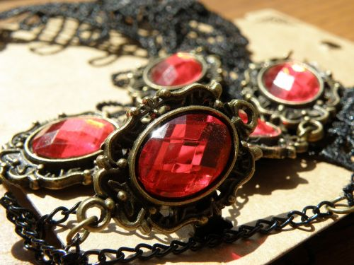 jewel stone red