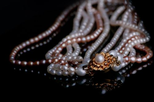 jewellery chain pearl necklace