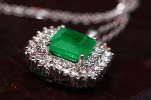 jewelry necklace green