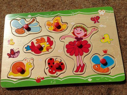 jigsaw toddler play