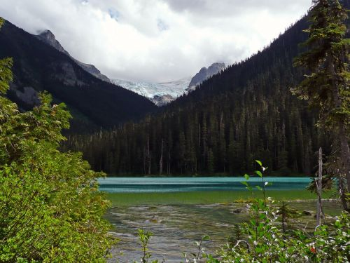 joffre lake british columbia mountain