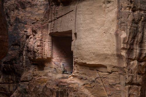 jordan petra tomb