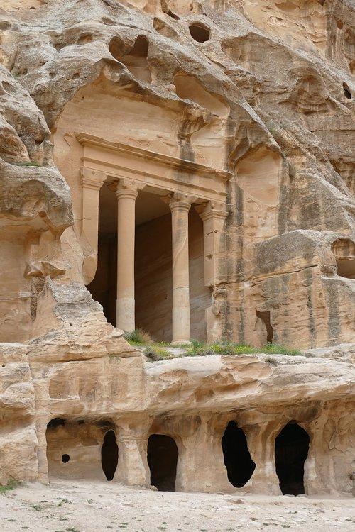 jordan  petra  sand stone
