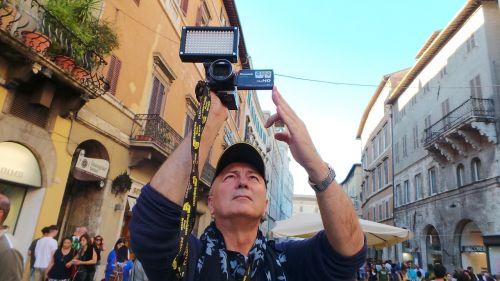 journalist cameraman printing