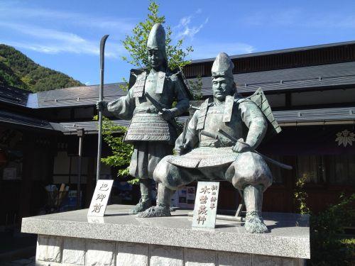 kiso statue yoshinaka