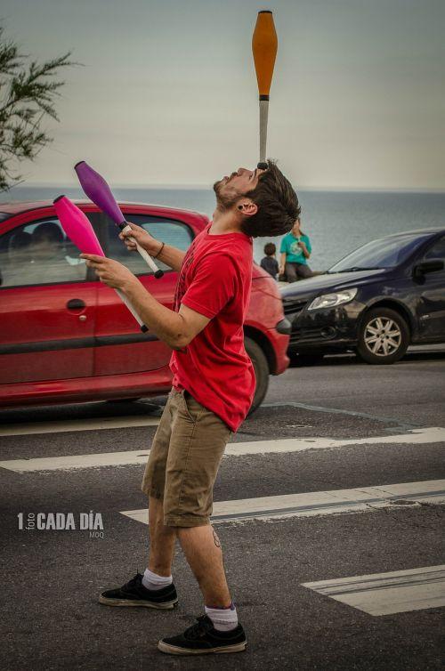 juggler juggling street artist