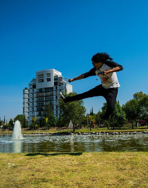 jump  ninja  man