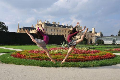 jump ballerina lednice