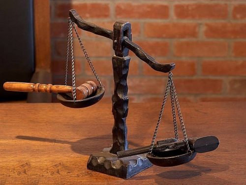 justice scales court