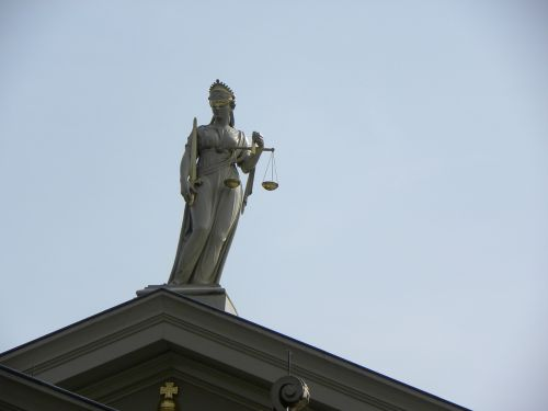 justitia lady court