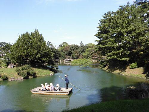kagawa prefecture ritsurin park boatman
