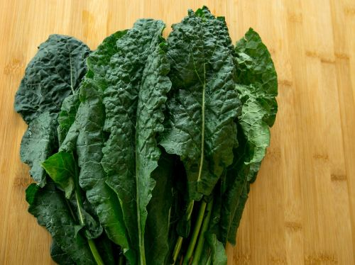 kale fresh healthy