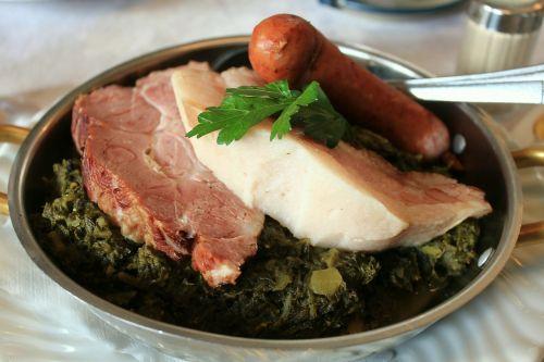 kale eat main course