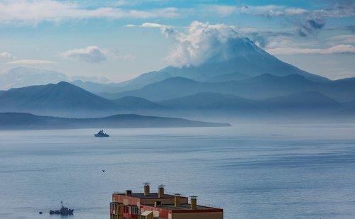 kamchatka  bay  mountains