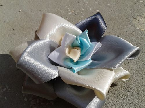 kanzashi rose white