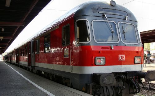 karlsruher head hbf ulm train
