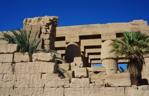 karnak temple columnar
