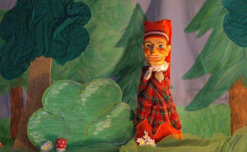 kasper puppet theatre doll