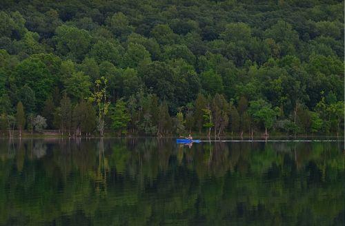 kayak lake water