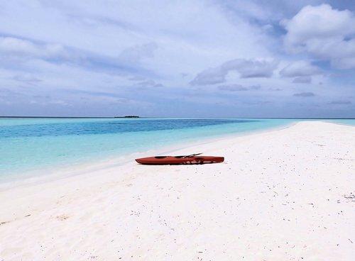 kayak  beach  maldives