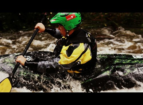 baidarių,vanduo,irklas,baltas vanduo,laukinis vanduo,adrenalinas,šalmas,greitis,laukiniai gyvūnai,jėga,bus,kovoti,baidarėmis,upė,srautas,emocija,malonumas