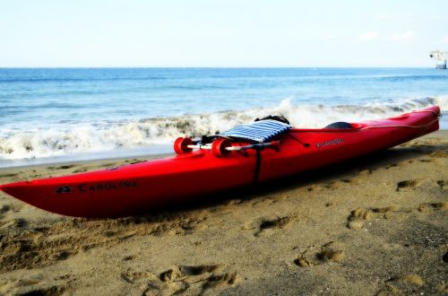 kayak shore sea