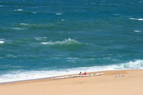 baidarių, kayakers, rengia, žiūrėti, jūra, bangos, smėlis, papludimys, baidarės paplūdimyje