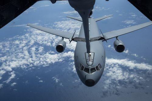 kc-10 extender refueling usaf